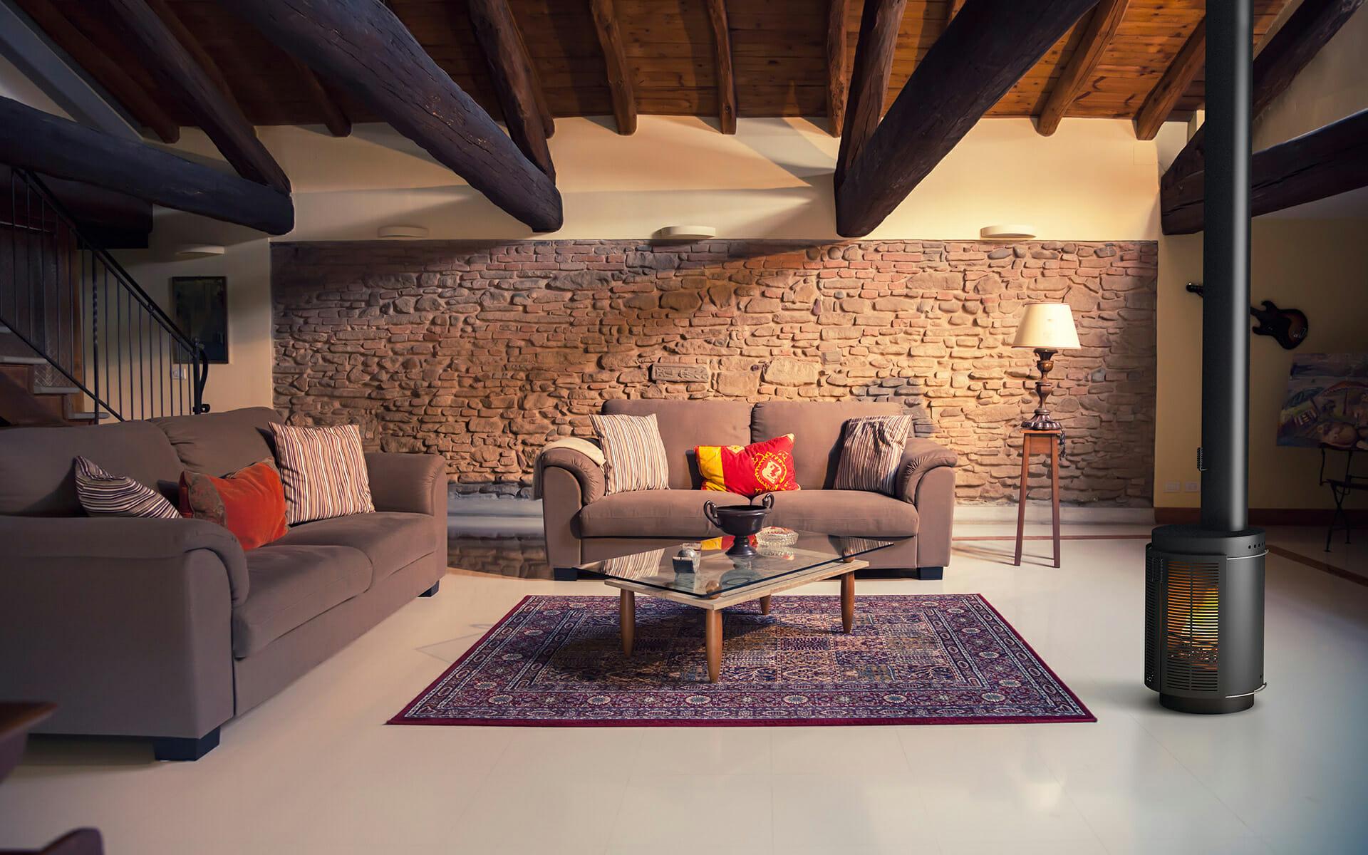 Chimenea RONDA. Interior del salón en villa de campo