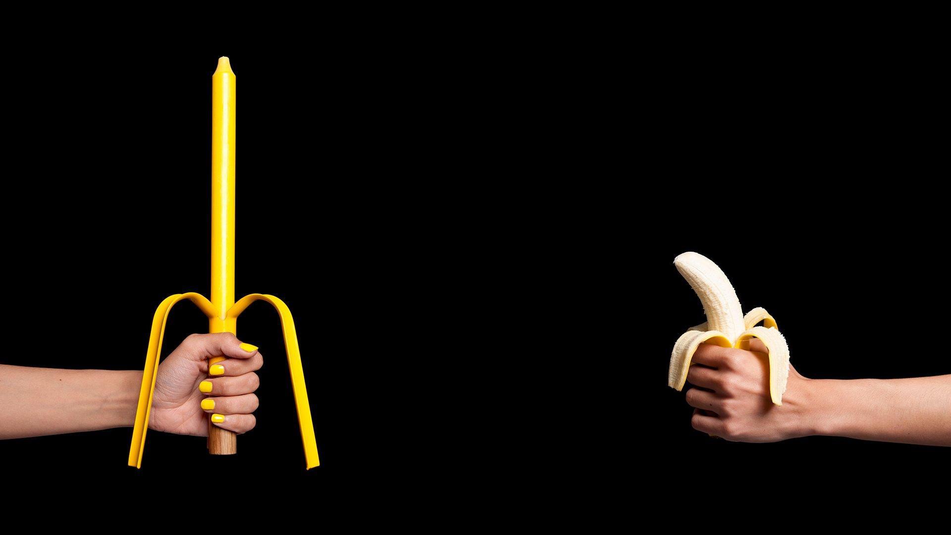 Candelabro BANANA vs platano fondo negro
