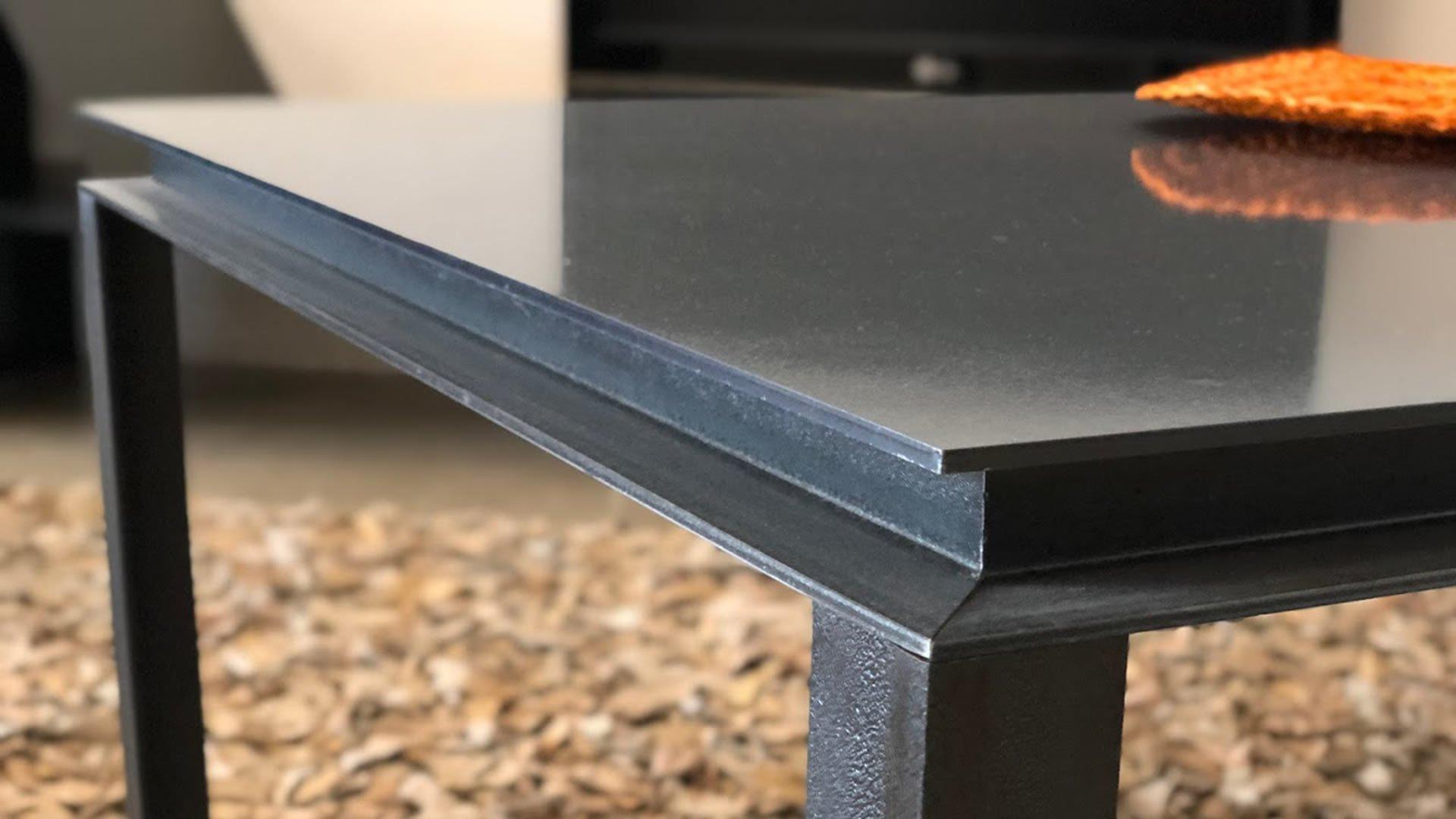 Mesa MERCEDES 120 RAL9004 Detalle lateral